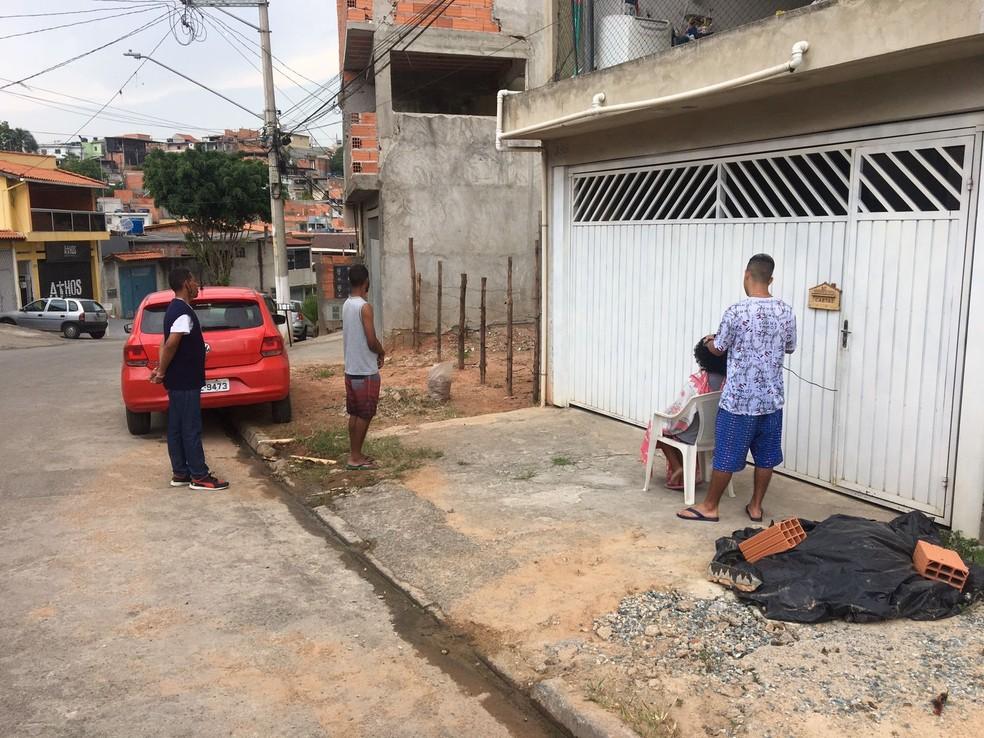 Caio não é de tirar fotos de ação solidária, mas populares registraram seu trabalho social em SP — Foto: Arquivo pessoal