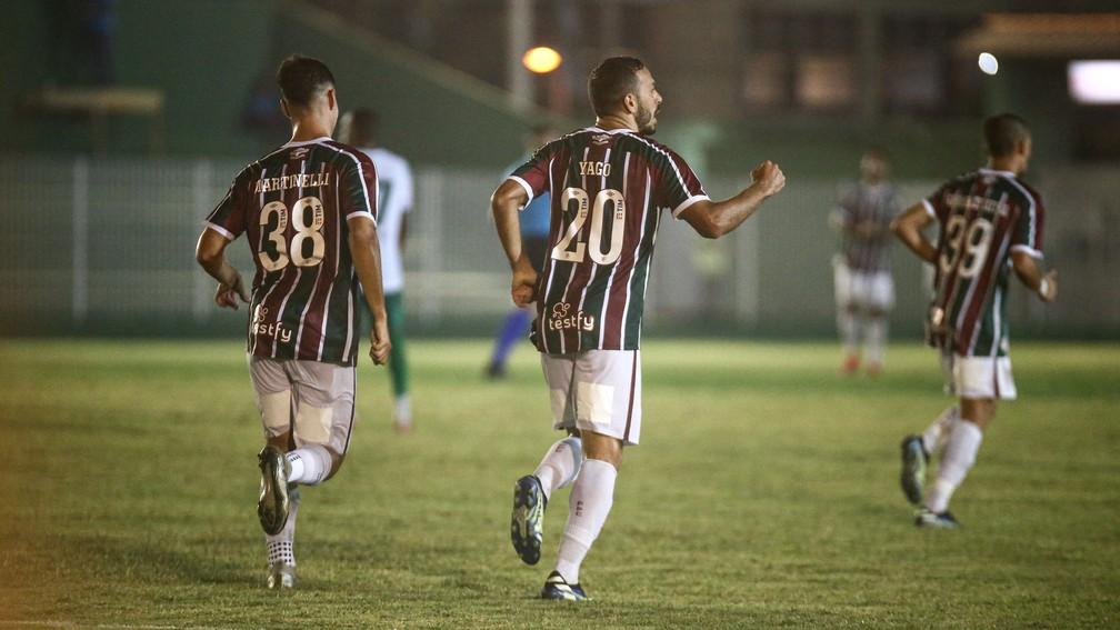 Martinelli e Yago comemoram gol do Fluminense na vitória sobre o Boavista — Foto: LUCAS MERÇON / FLUMINENSE F.C.
