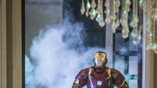 'Vingadores' invadem o 'Lata Velha' de 'Dia das Crianças' e Luciano Huck aparece de Homem de Ferro