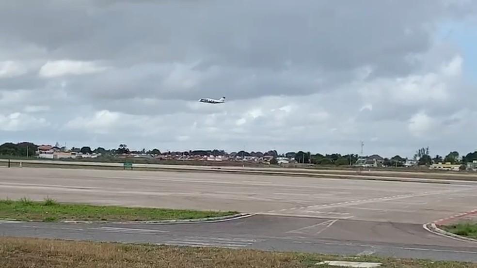 Vacinas contra a Covid-19 saíram em duas aeronaves para o interior da Paraíba — Foto: Walter Paparazzo/G1