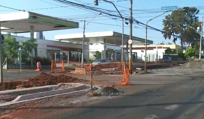 Avenida Independência tem novo bloqueio para obras em Ribeirão Preto; veja rota alternativa
