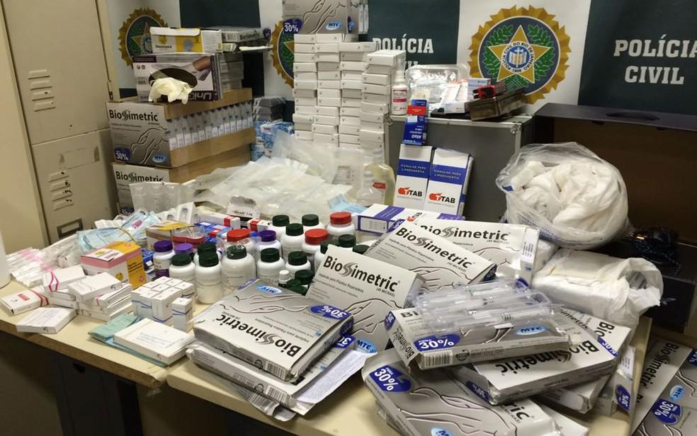 Material apreendido pela polícia neste domingo (15) (Foto: Divulgação)