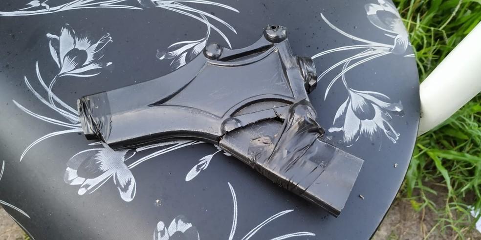 Polícia apreendeu um simulacro, que é um objeto que simula ser uma arma de fogo — Foto: PMRN/Divulgação