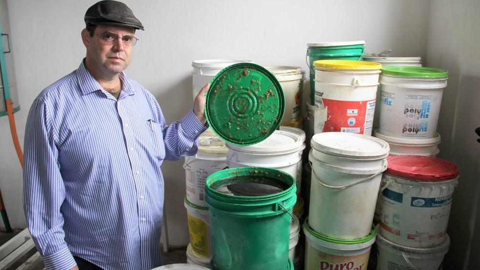 Jordans não pensa em produzir para vender e diz que seu objetivo é apenas aproveitar todo o descarte do mel (Foto: Mário Bittencourt / BBC)
