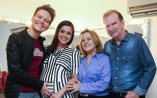 Michel Teló é prestigiado pelos pais e por Thais Fersoza em musical - Quem | QUEM News