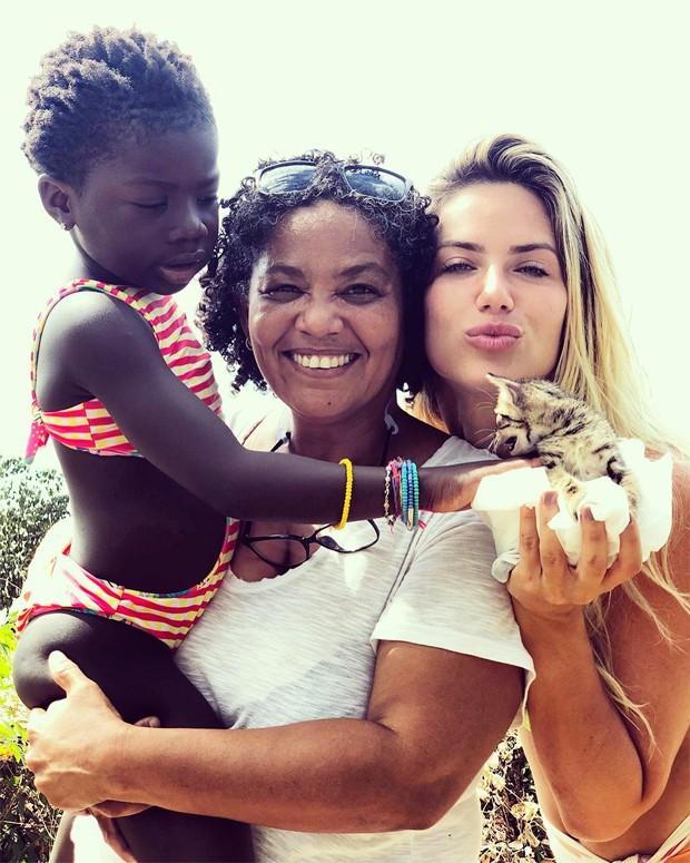 Chissomo, Ana Cláudia Ramos e Giovanna Ewbank (Foto: Reprodução / Instagram)