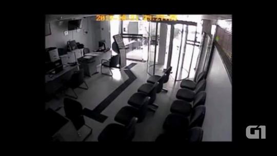 Vídeo mostra criminosos em tentativa de assalto a banco em Betânia, PE