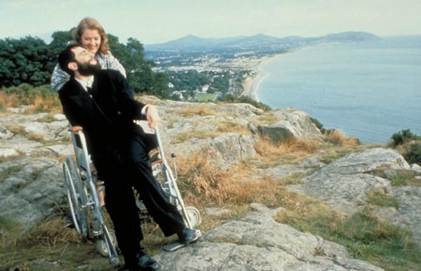 Daniel Day-Lewis como Christy Brown em Meu Pé Esquerdo (Foto: Divulgação)