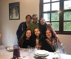 Maria Mariana com o marido, André Pessanha, e os filhos Gabriel, Laura, Isabel e Clara | Arquivo pessoal