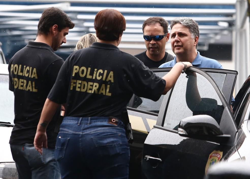 O ex-governador Garotinho após ter sido preso pela PF no Rio (Foto: Fábio Motta/Estadão Conteúdo)