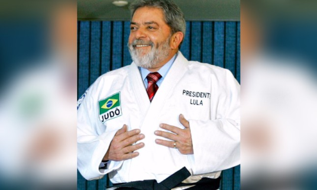 Ex-presidente Lula de quimono