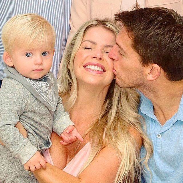 Karina Bacchi com o noivo, Amaury Nunes, e o filho Enrico  (Foto: reprodução Instagram )