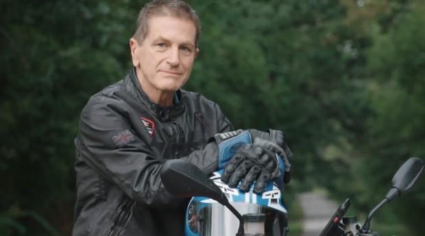 O engenheiro Erik Buell (Foto: Reprodução/Youtube/EatSleepRideTV)