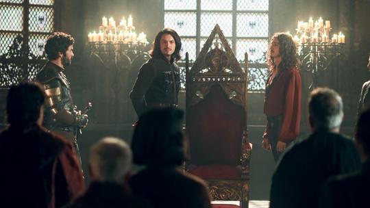 Afonso reúne conselheiros e avisa: 'Abdicarei do trono de Montemor'