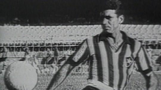 Lendas: A história de Nilton Santos, a Enciclopédia do Futebol
