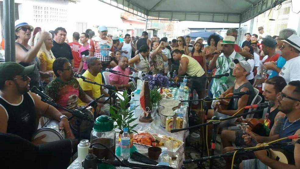 Samba Solidária arrecada doação para lar que atende idosos em Mãe Luiza, na Zona Leste de Natal — Foto: Divulgação