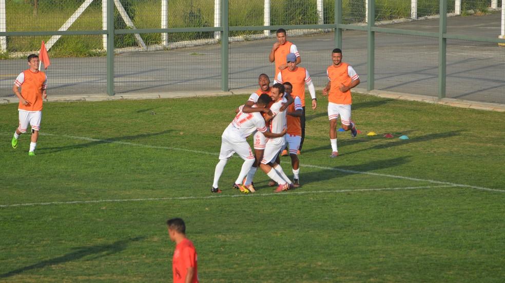 América-SP chegou ao empate no início do segundo tempo, com gol de Victor Melo (Foto: Milena Antunes)