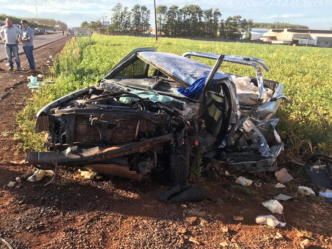 Rapaz fica gravemente ferido em acidente entre caminhonete e caminhão na PR-486, em Assis Chateaubriand - Noticias