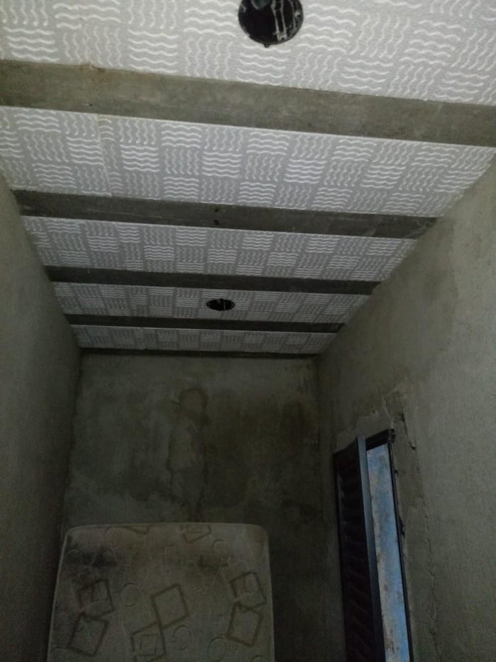 Obra do banheiro da casa de Fernanda — Foto: André Cavaleiro/Arquivo pessoal