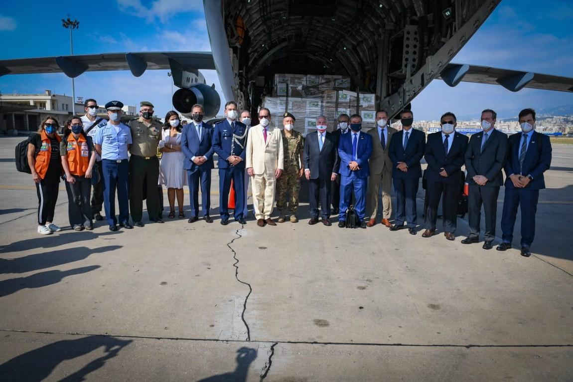 Missão brasileira de ajuda enviada ao Líbano retorna ao Brasil; Temer e Skaf desembarcam em SP