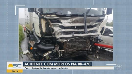 Três pessoas da mesma família morrem após carro bater de frente com caminhão em Pouso Redondo