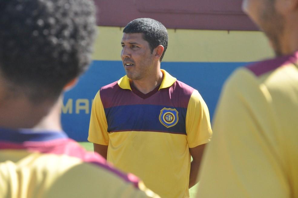 Djair é o novo técnico do Madureira (Foto: Site oficial do Madureira)
