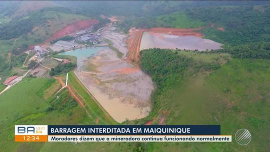 Moradores de área sob risco com barragem interditada na BA denunciam poluição e apontam que empresa segue em operação
