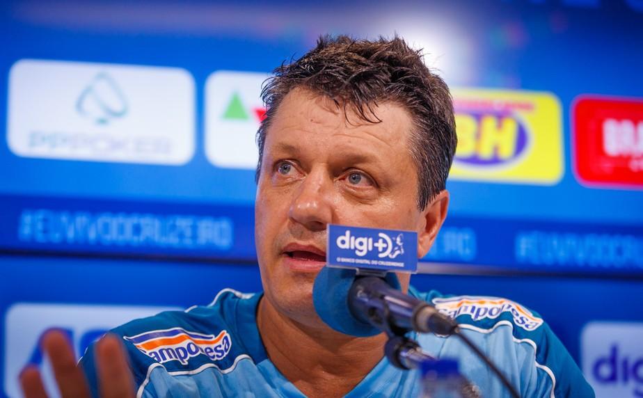 Contratado até o fim de 2020, Adilson mira estilo de jogo no Cruzeiro: