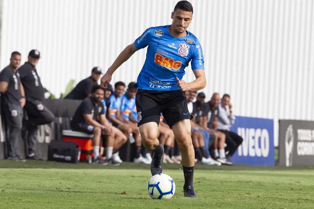 Guilherme Mantuan durante treino do Corinthians — Foto: Daniel Augusto Jr/Ag. Corinthians