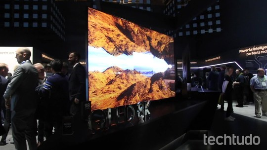 Samsung anuncia smart TV QLED de 98 polegadas com resolução 8K
