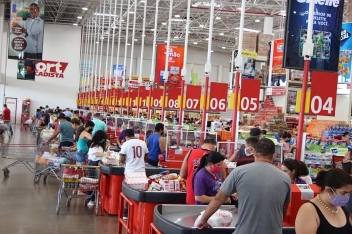 Supermercados oferecem 88 vagas de emprego para contratação imediata em Campo Grande