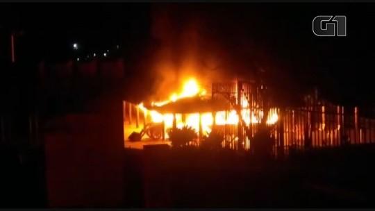Três pessoas são presas suspeitas de envolvimento em incêndio criminoso em clube de Caconde