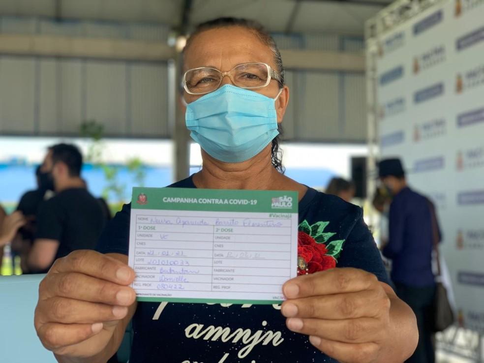 Caraguatatuba também deu início a vacinação — Foto: João Mota/TV Vanguarda
