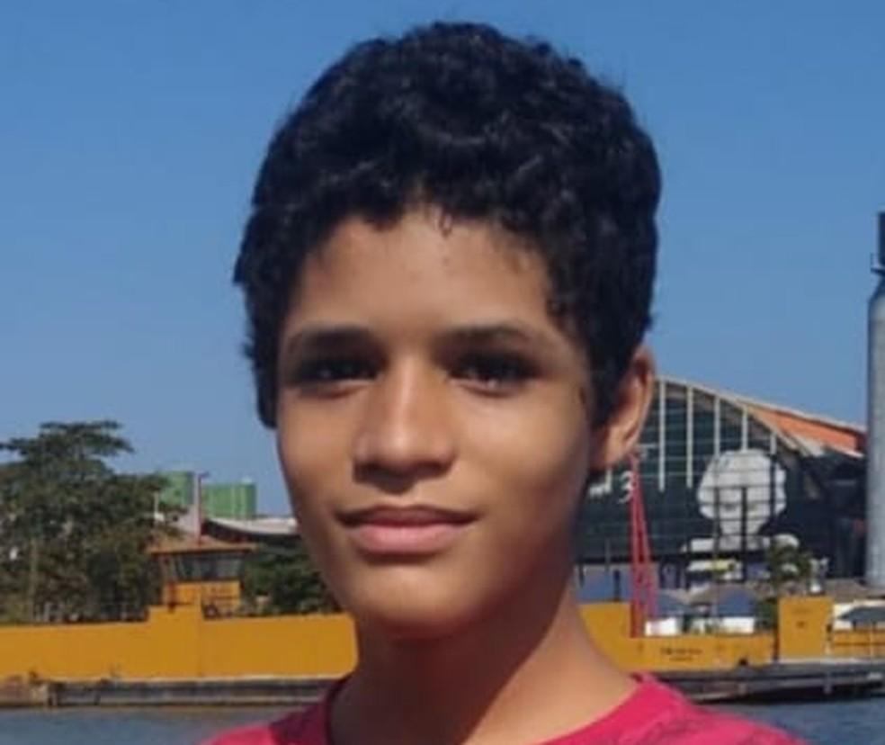 Daniel, de 12 anos, está desaparecido no mar de Guarujá, SP — Foto: Reprodução