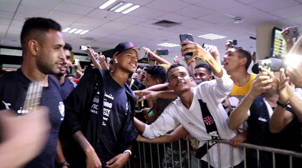 Vasco chega a Teresina  — Foto: Stephanie Pacheco/GloboEsporte.com