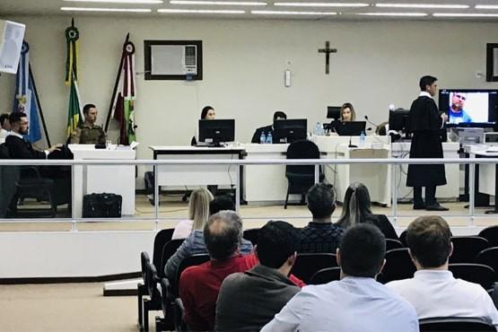 Motorista vai a júri por atropelar mãe e filho em Videira - Notícias - Plantão Diário