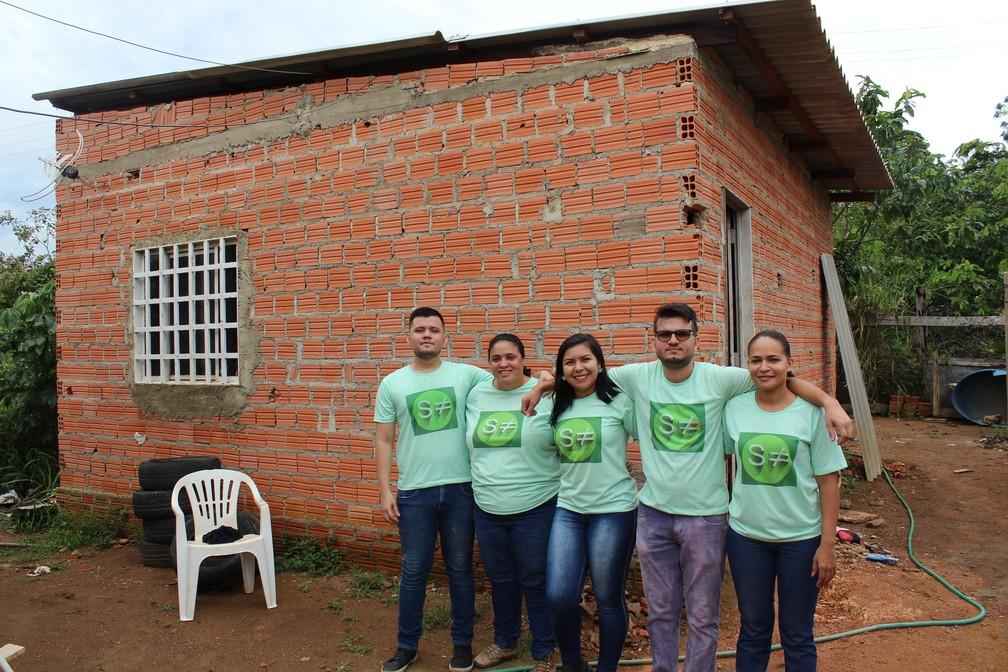 Voluntários do projeto — Foto: Diêgo Holanda/G1