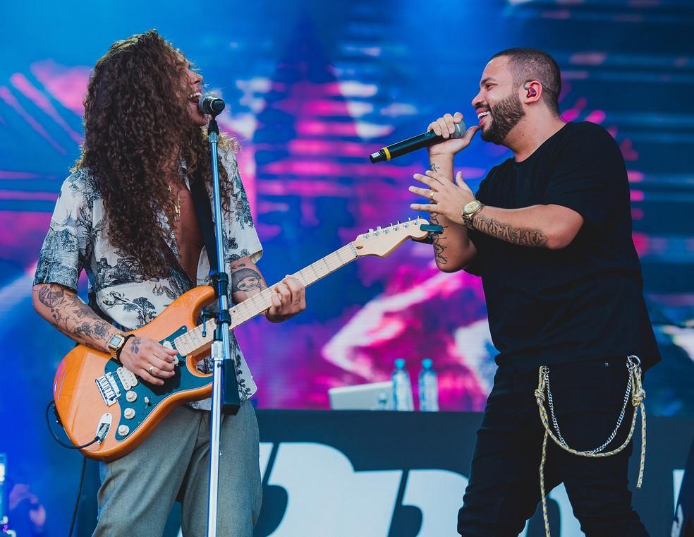 Projota e Vitão cantam a balada 'Sei lá' no Rock in Rio 2019 — Foto: Wesley Allen / IHF / Divulgação