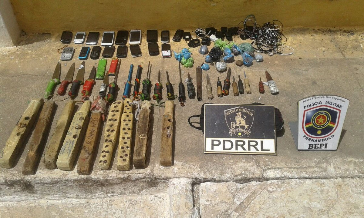 Polícia apreende celulares e facas em presídio de Palmares