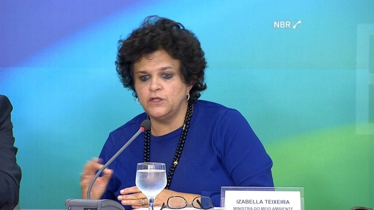 Izabella Teixeira diz que governo vai trabalhar para recuperar a região do rio Doce
