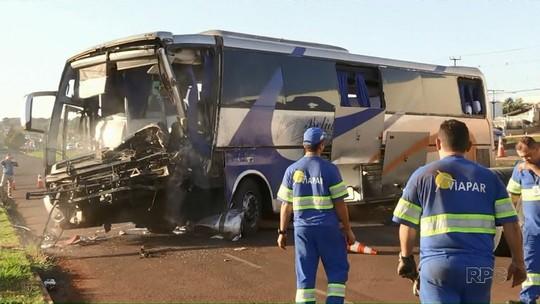 Acidente entre ônibus e caminhão deixa um morto e 13 feridos na BR-376, em Marialva