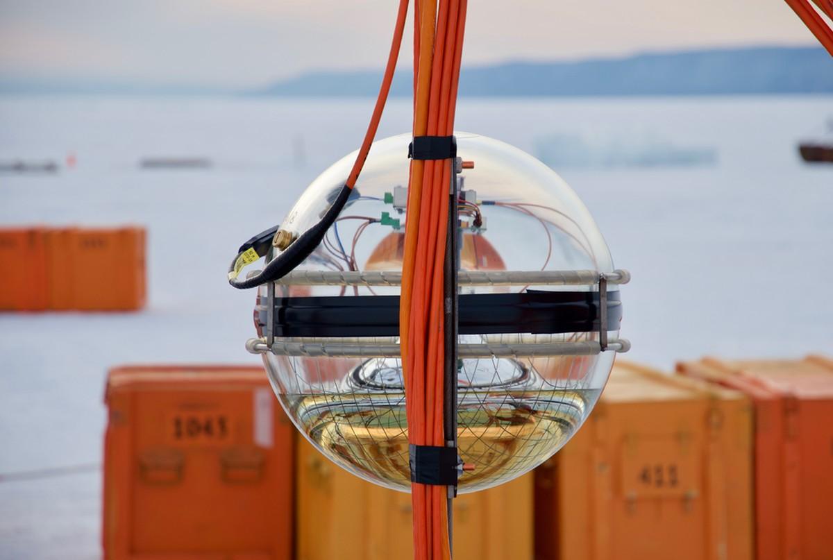 Rússia inaugura telescópio subaquático no Lago Baikal, na Sibéria