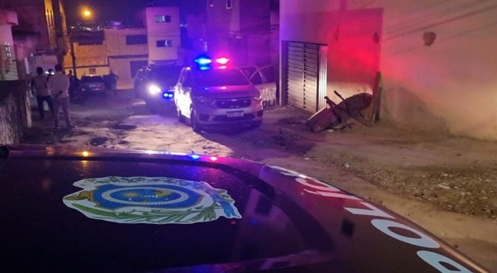 Homem foi preso por esfaquear a companheira grávida, em Caruaru — Foto: Caruaru no Face/Espiaqui/Divulgação