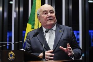 Em discurso, senador Flexa Ribeiro (PSDB-PA)