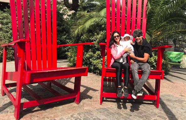 """""""#diainternacionaldafamilia"""" escreveu Carol Castro na legenda da foto postada em 15 de maio (Foto: Reprodução / Instagram)"""