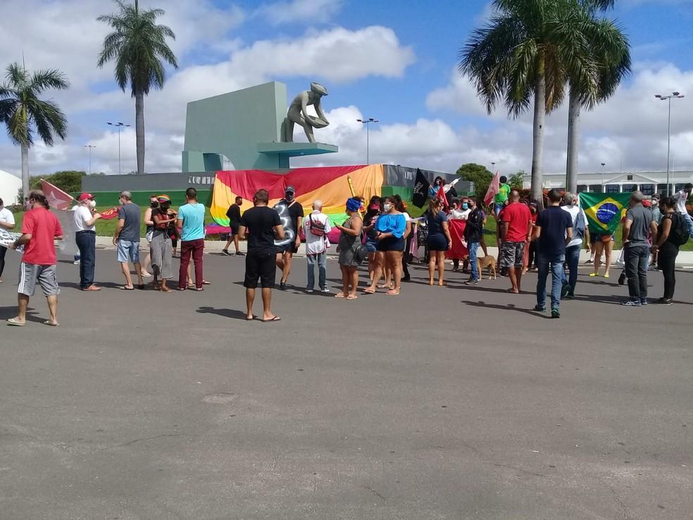 Manifestantes por volta de 9h40 no Centro Cívico, em Boa Vista, capital de Roraima — Foto: Raimesson Martins/Rede Amazônica