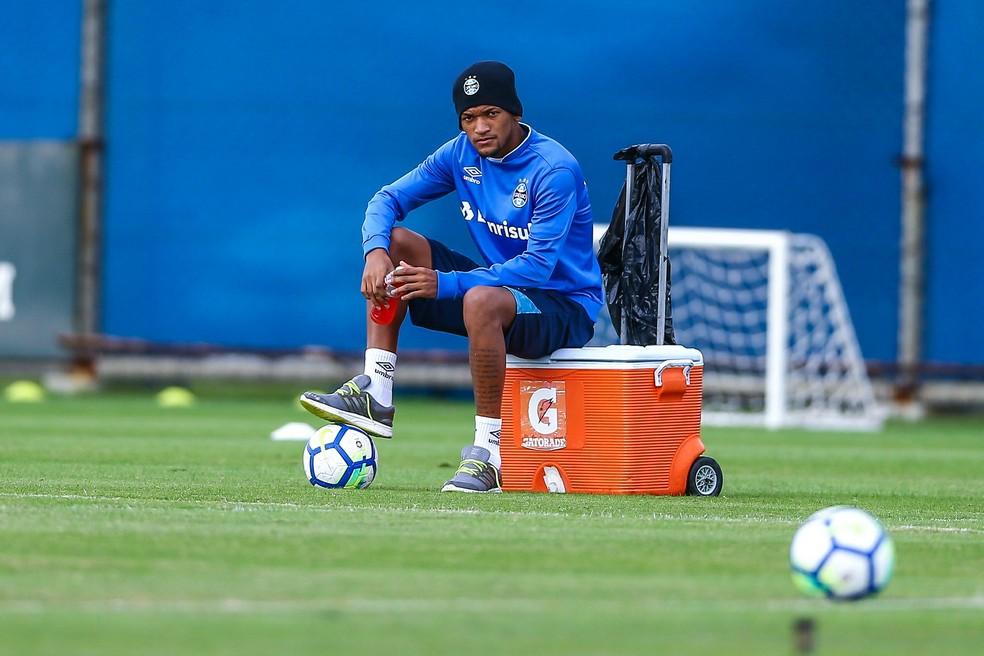 Jailson aguarda uma definição sobre o futuro (Foto: Lucas Uebel/Divulgação Grêmio)