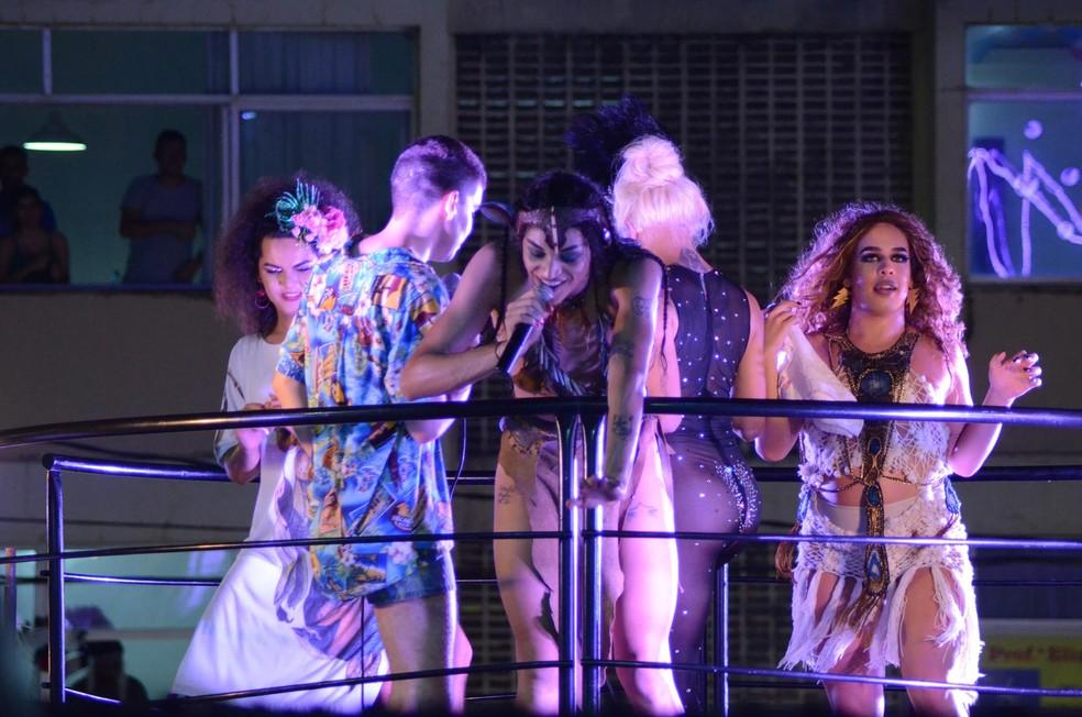 Gloria Groove, Mateus Carrilho, Pabllo Vittar e outros artistas no carnaval de Salvador em 2018 — Foto: Márcio Reis /Ag Haack