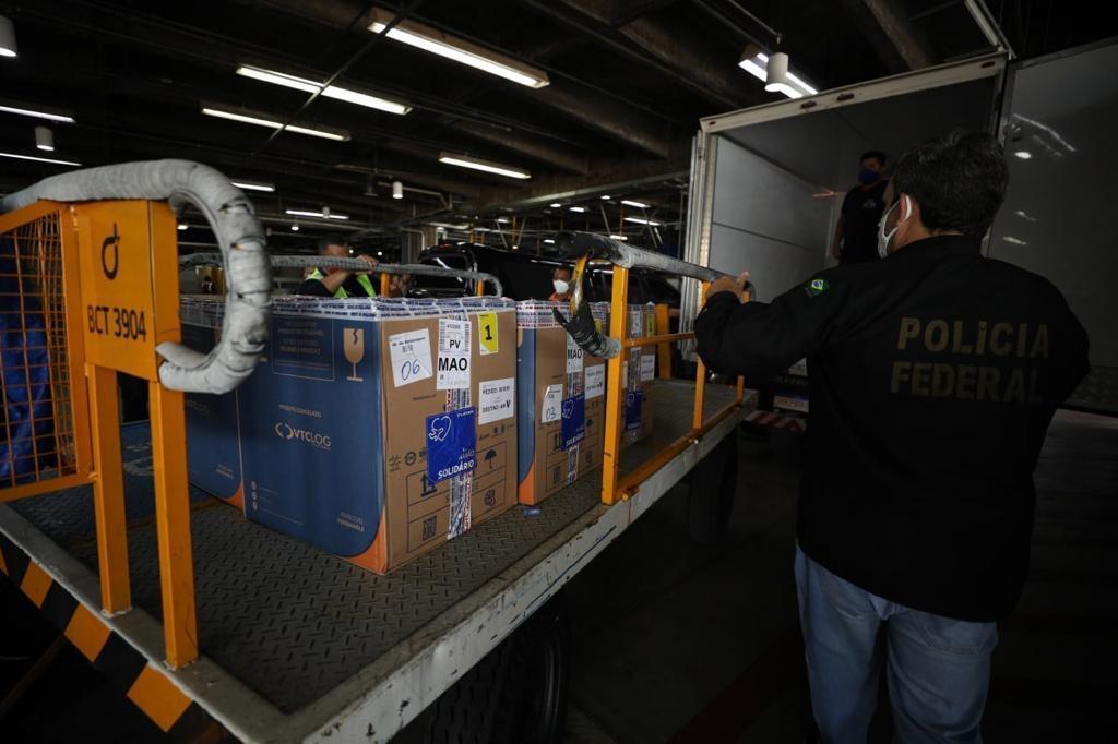 Amazonas recebe mais 43,2 mil doses de vacina contra Covid