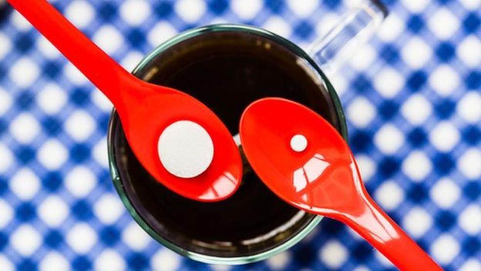Na maioria dos países, a empresa deve informar qual o tipo de adoçante está no alimento (Foto: Science Photo Library)